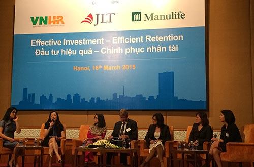 """Các chuyên gia trong lĩnh vực nhân sự và tài chính thảo luận tại hội thảo """"Đầu tư hiệu quả - Chinh phục nhân tài"""""""