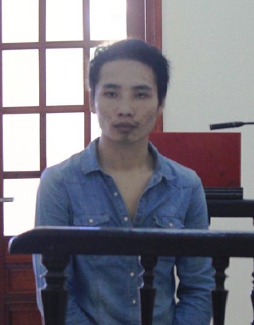 Đối tượng Hạ Bá Ku tại phiên tòa. Ảnh: Trịnh Hòa