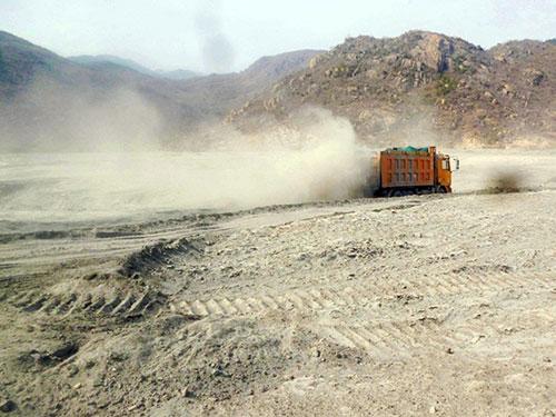 Bụi xỉ từ Nhà máy Nhiệt điện Vĩnh Tân 2 gây ô nhiễm môi trường nghiêm trọng