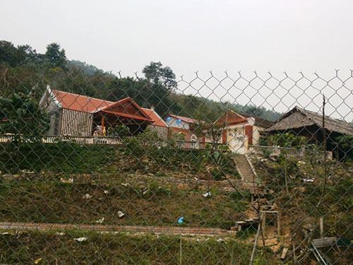 """Trang trại của ông Đỗ Minh Quý, nơi 12 con dê cấp cho hộ nghèo """"chui"""" vào"""
