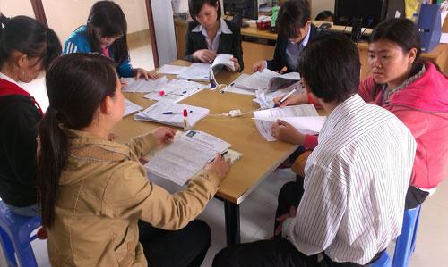 Ứng viên đăng ký tìm việc tại Phòng Dịch vụ - Việc làm Báo Người Lao Động Ảnh: TƯỜNG PHƯỚC