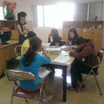 Ứng viên đăng ký tìm việc tại Phòng Dịch vụ - Việc làm Báo Người Lao Động