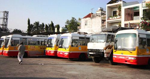 Những chiếc xe buýt này nằm phơi mưa nắng đã 8 tháng nay