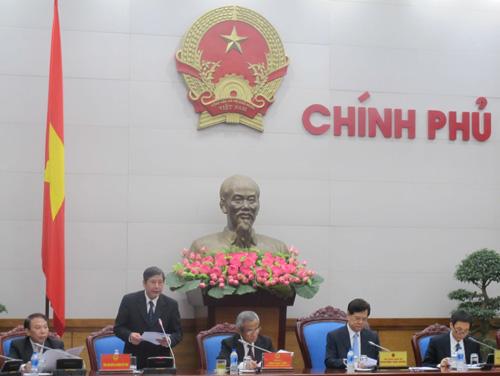 Trình bày báo cáo, Phó Chủ tịch Thường trực Tổng LĐLĐ Việt Nam Trần Thanh Hải