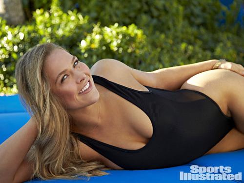 ... dịu dàng, e lệ khi mặc áo tắm lên trang bìa Sports Illustrated