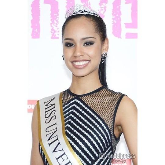 Tân Hoa hậu Hoàn vũ Nhật Bản không ngại bị chỉ trích