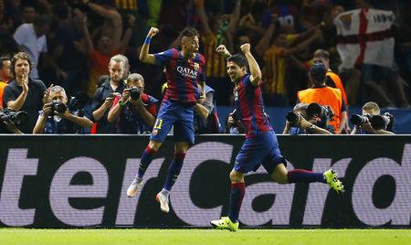Chủ nhân của 2 bàn thắng thứ 2 và 3 cho Barcelona Neymar và Suarez