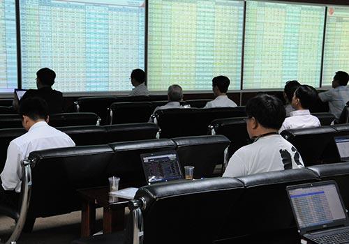 Nhờ đạt lợi nhuận khá cao trong năm qua nên cổ phiếu ngân hàng thu hút nhiều tiền của nhà đầu tư. (Ảnh chỉ có tính minh họa) Ảnh: Hồng Thúy
