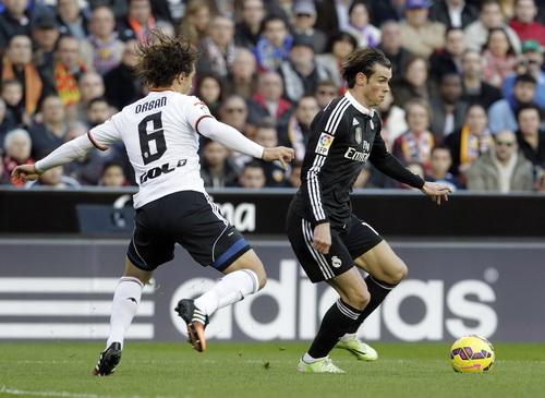 Gareth Bale nỗ lực nhưng không giúp Real lật ngược thế trận
