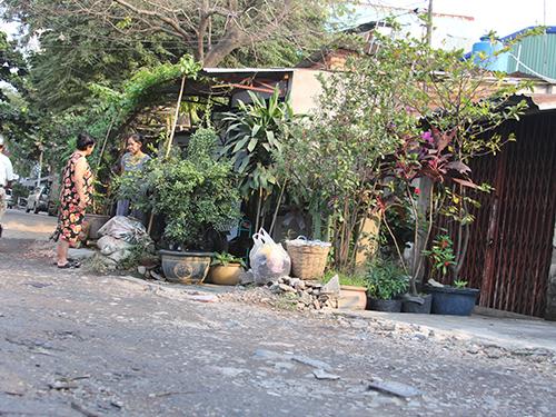 Tám hộ dân cuối đường Thống Nhất, phường Tân Thành, quận Tân Phú, TP HCM vẫn chưa có nước sạch sinh hoạt