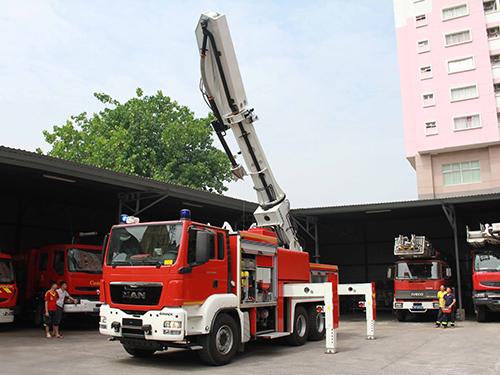 TP HCM tiếp nhận 12 xe chữa cháy đặc chủng, hiện đạiẢnh: Hoàng Triều