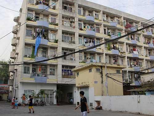 Những hình ảnh nhếch nhác như thế này rất dễ thấy tại các chung cư ở TP HCMẢnh: HOÀNG TRIỀU