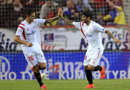 ... nhưng Sevilla mới là đội vui mừng với kết quả hòa 2-2 ở Sanchez Pizjuan