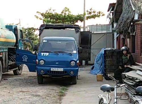 Điểm rút ruột xăng máy bay bị lực lượng chức năng bắt quả tang ngày 28-1 - Ảnh: Nguyễn Anh