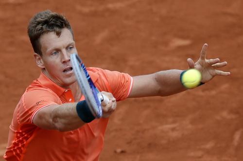 Berdych dừng bước ở vòng 4 Roland Garros