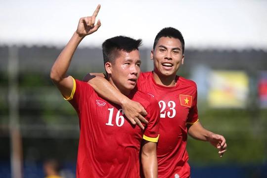 Thanh Bình (16) ghi bàn thắng tuyệt đẹp cho U23 Việt Nam