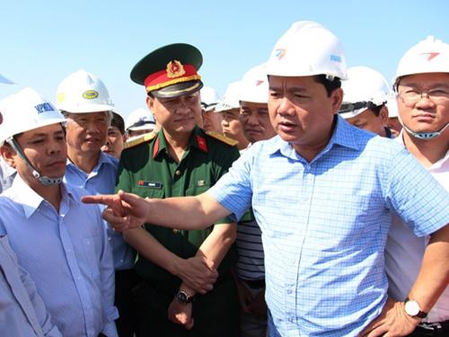 Bộ trưởng Đinh La Thăng sẽ quyết định thời điểm sửa sân bay Tân Sơn Nhất