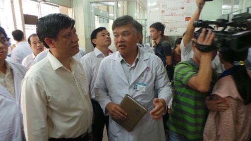 Bộ Y tế kiểm tra công tác phòng chống bệnh MERS tại TP HCM Ảnh: NGUYỄN THẠNH