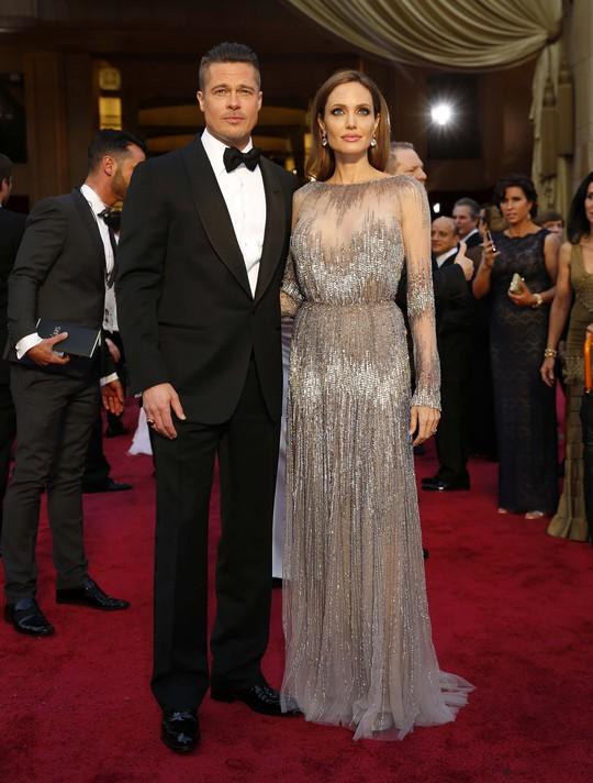 Angelina và chồng Brad Pitt