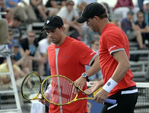 Quái vật hai đầu nhà Bryan sẽ là thách thức cho cặp Nadal/ Verdasco ở tứ kết đôi nam