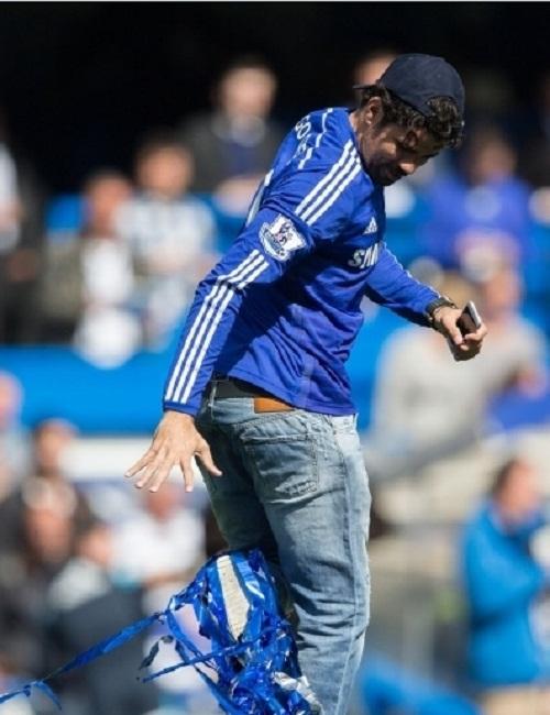 Costa và Fabregas hứng khởi khi lần đầu vô địch cùng Chelsea