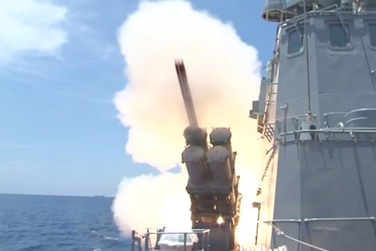 Cận cảnh phóng tên lửa Kh-35 từ tàu tên lửa tấn công nhanh Molniya