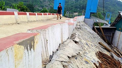 Cây cầu treo tại Bắc Kạn bị xuống cấp - ảnh Báo Nhân dân