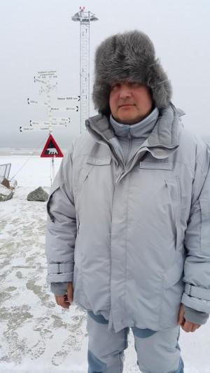 Phó Thủ tướng Rogozin sau đó đến Bắc cực. Ảnh: Twitter
