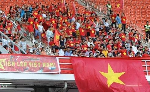 CĐV Việt Nam trên SVĐ Rajamangala
