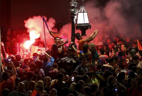 Cảnh tượng này sẽ còn tiếp diễn sau chung kết Cúp Nhà vua và Champions League?