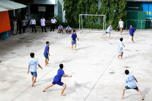 Học viên tập luyện thể thao tại cơ sở xã hội Bình Triệu