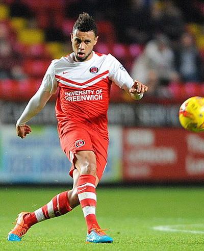 Coquelin chơi cho Charlton một tháng trước