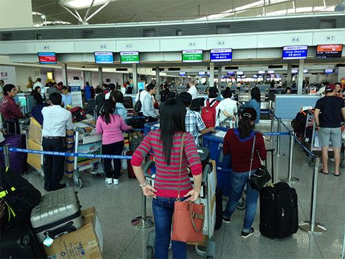 Mở rộng sân bay Tân Sơn Nhất cộng với việc quản lý và khai thác hiệu quả sẽ khả thi hơn xây sân bay Long Thành