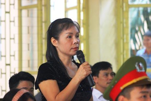 Trước tòa, bà Nguyễn Thị Thu Hà khẳng định Lý Nguyễn Chung không phải là hung thủ Ảnh: NGUYỄN HƯỞNG