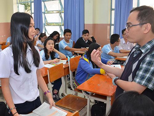 Thầy và trò Trường THPT Lương Thế Vinh (TP HCM) trong một tiết học văn. (Ảnh chỉ có tính minh họa) Ảnh: TẤN THẠNH