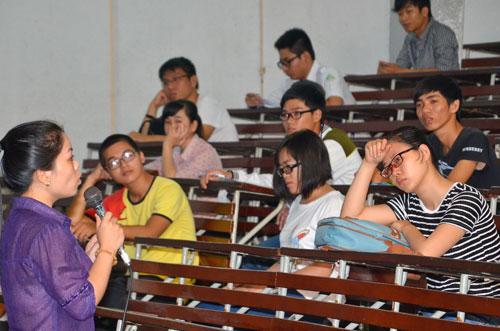 Các trường ĐH Việt Nam hiện nay vẫn sử dụng phương pháp chủ yếu là diễn giảng Ảnh: TẤN THẠNH