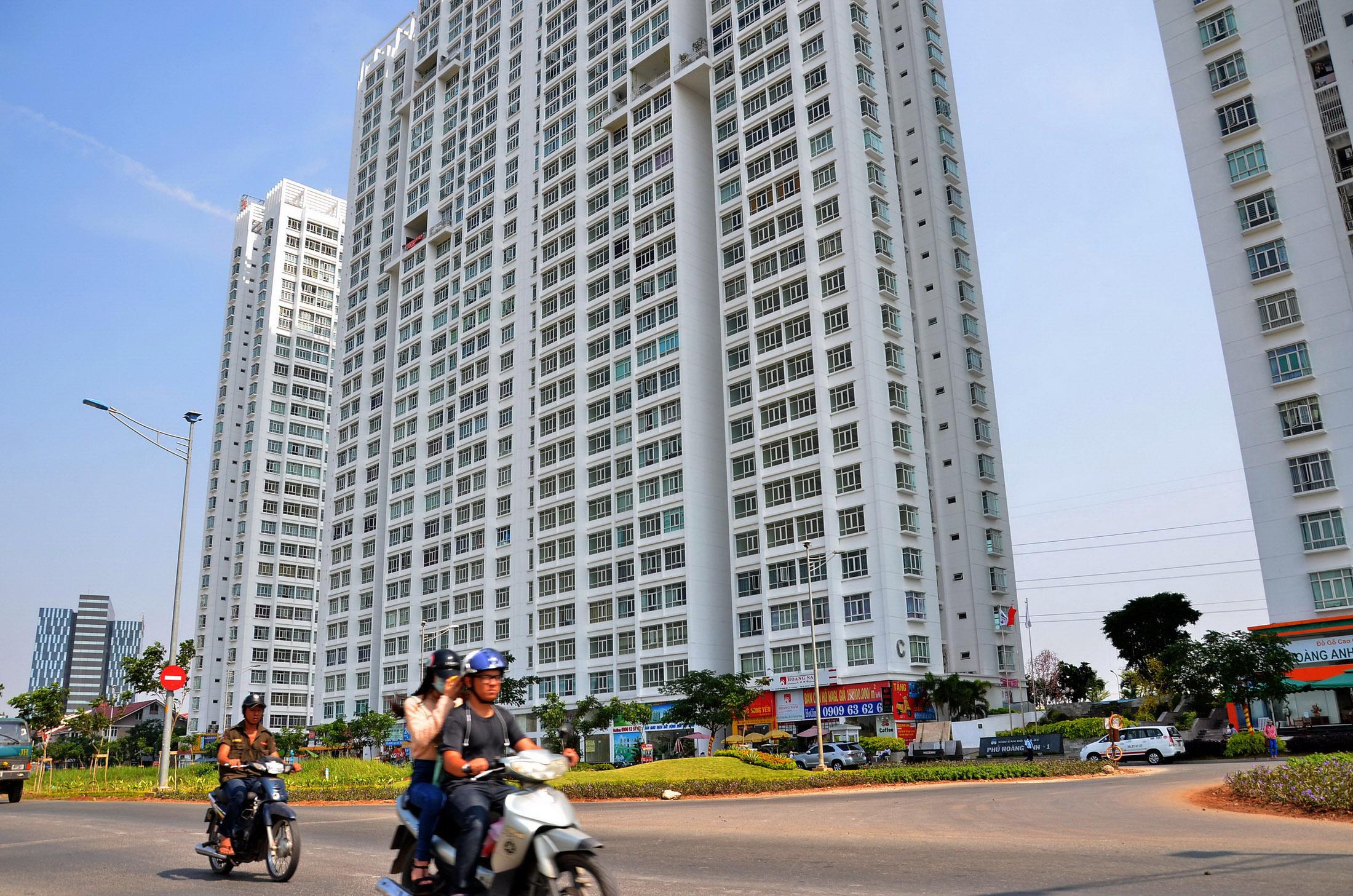 Hơn 6.500 căn hộ của các doanh nghiệp bất động sản tại TP HCM được bán cho khách từ đầu năm đến nay  Ảnh: tấn Thạnh