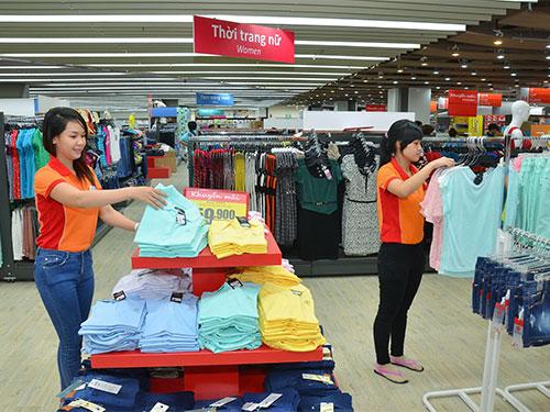 Một trong những ngành hàng bán lẻ tại Co.opXtra quận 7, TP HCM Ảnh: Tấn Thạnh