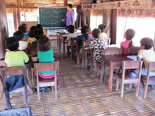 Giáo viên miền núi tỉnh Quảng Nam chưa bao giờ có tiền thưởng Tết Ảnh: QUANG VINH