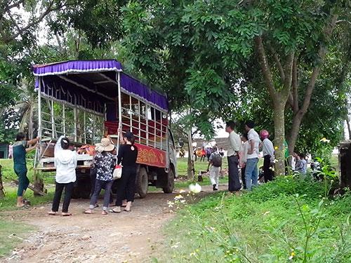 Thi thể 2 đối tượng trong vụ trộm chó tại tỉnh Thanh Hóa được cơ quan chức năng phát hiện sáng 17-7-2014 Ảnh: Thanh Tuấn