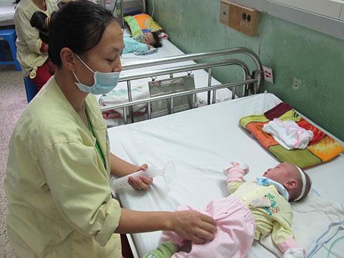 Khoa Hô hấp của Bệnh viện Nhi trung ương trước đây luôn trong tình trạng quá tải, nay còn nhiều giường trống. Ảnh: Ngọc Dung