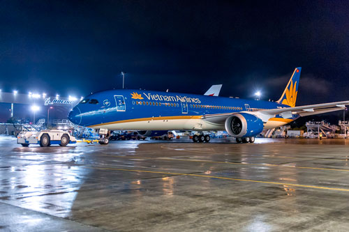 Chiếc Boeing 787-9 vừa rời xưởng sơn ở Mỹ Ảnh: Linh Anh