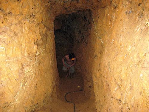 Đa số người đi tìm vàng ở Quảng Nam là dân nghiệp dư, đời sống vốn khó khăn