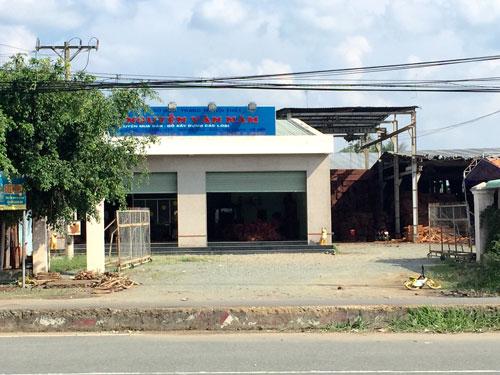 Trại cưa gỗ của ông Nguyễn Văn Năm