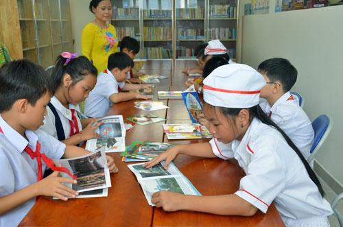 Ngày 3-9, Trường Tiểu học Ngọc Hồi (quận Tân Bình, TP HCM) đã tổ chức lễ khánh thành ngôi trường mới với tổng vốn đầu tư 19,5 tỉ đồng và khai giảng năm học mới cho 450 học sinh của trường, trong đó 124 học sinh mới vào lớp 1.Ảnh: Tấn Thạnh