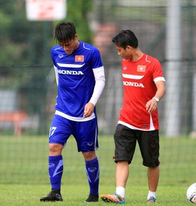 Những trụ cột như Mạc Hồng Quân của U23 Việt Nam được HLV Miura sử dụng  cho cả vòng loại World Cup 2018 Ảnh: Hải Anh