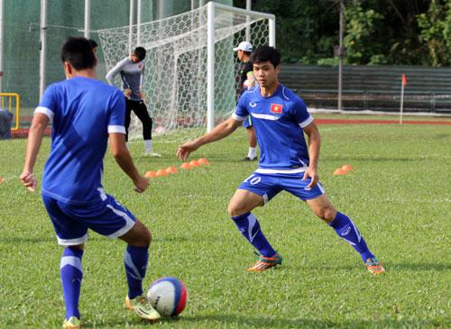 Công Phượng là 1 trong 4 cầu thủ đã nhận 1 thẻ vàng trước trận gặp U23 Thái LanẢnh: Quang Liêm