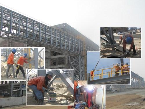 Công nhân Trung Quốc đang làm việc tại công trường Formosa - Ảnh: Nguyên Dũng