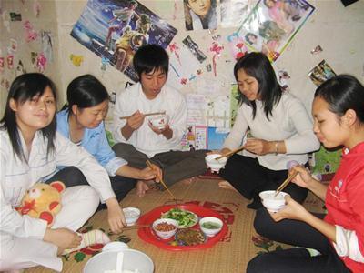 Một bữa cơm của công nhân KCN Thăng Long