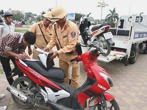 Bộ trưởng Đinh La Thăng rút kiến nghị tịch thu xe với người điều khiển phương tiện có nồng độ cồn vượt quá quy định